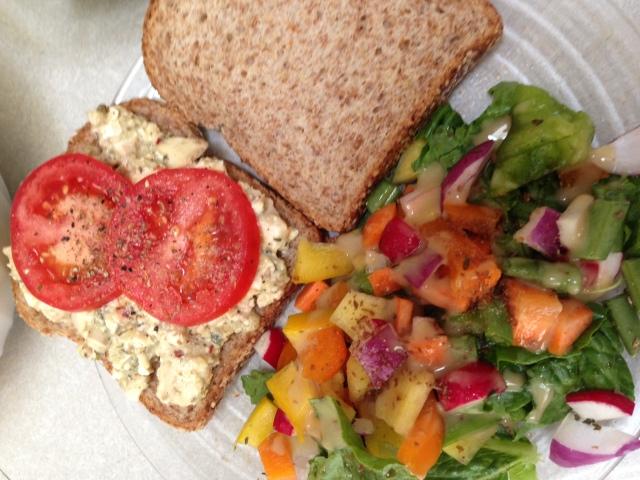 chickenless salad