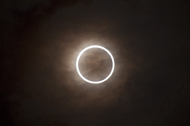 Annular_solar_eclipse_2012.jpg
